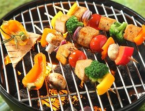 BARBECUING FOOD