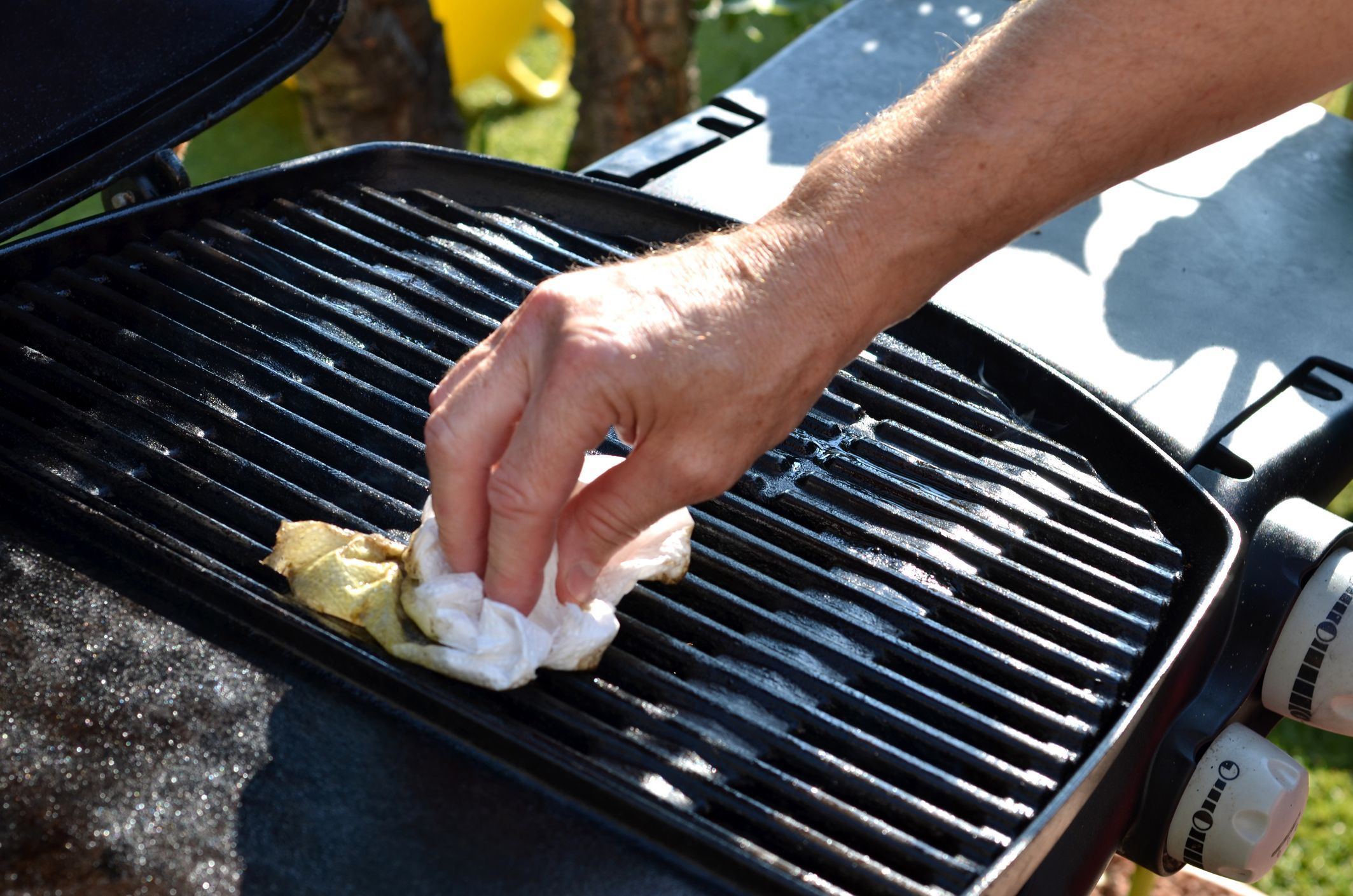 Clean Out the Charcoal Grill